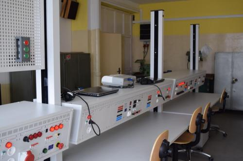 Moderné laboratórium pre mechanikov elektrotechnikov